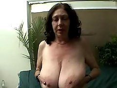 Plump granny w big boobs sucks cock