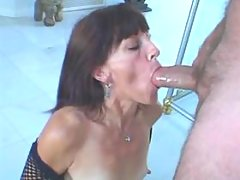Filthy mature slut gets some juice
